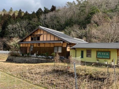 篠山で大人気の隠れ家的ピザ屋さん『kuwa Monpe(クワモンペ)』